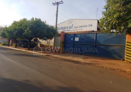 Barracão no Distrito Industrial